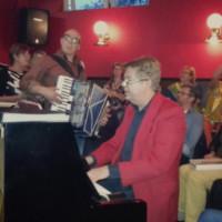 Samenzang Korenfestival in Café de Zon in Wijk aan Zee 2016